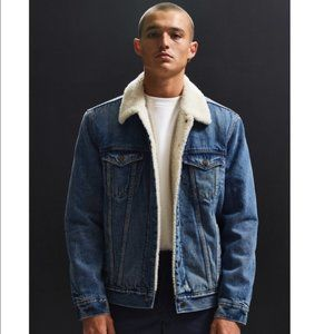 Levi's | Sherpa Denim Trucker Jacket